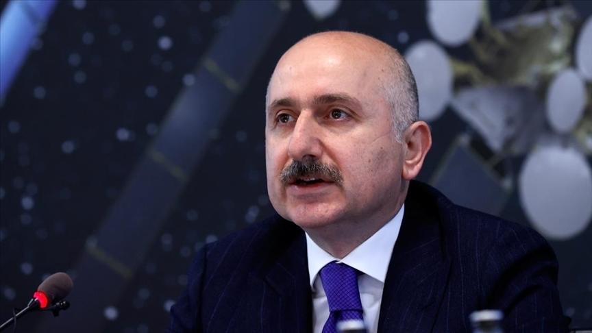 Bakan Karaismailoğlu: Türkiye, bilişim, e-Ticaret ve siber güvenlik alanında gençlerle büyüyecek