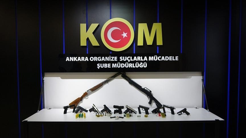 Esnafı silah zoruyla tehdit edip haksız kazanç sağlayan suç örgütüne Ankara merkezli operasyon: 20 gözaltı