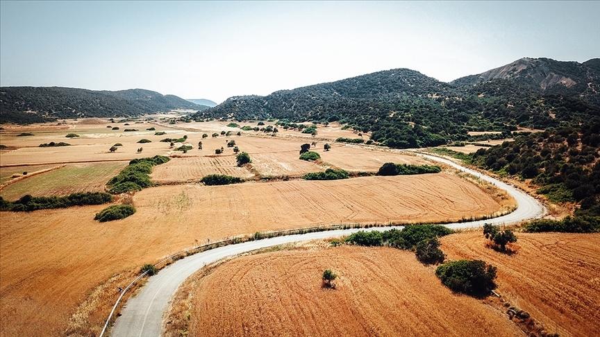KKTC'de 322 kilometrelik köy yolu Türkiye'nin desteğiyle yenileniyor