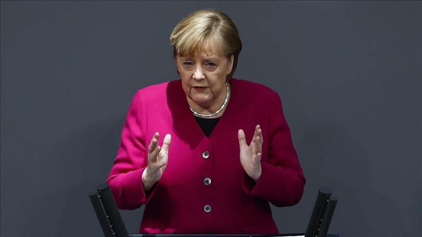 Merkel, ABD'nin İklim Zirvesi'ne dönmesini memnuniyetle karşıladı
