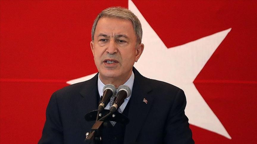 Bakan Akar: Dün kanının son damlasına kadar çarpışan Mehmetçik bugün de aynı ruhla mücadelesini sürdürüyor