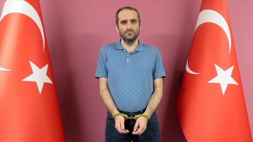 FETÖ elebaşı Fetullah Gülen'in yeğeni Selahaddin Gülen, 'silahlı terör örgütü yöneticiliği' suçundan tutuklandı
