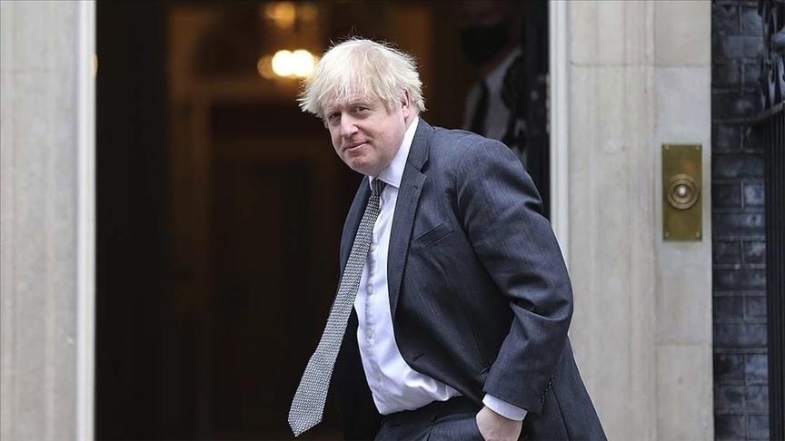 İngiltere Başbakanı Johnson, 21 Haziran'da tüm Kovid-19 kısıtlamalarının kaldırılması konusunda umutlu