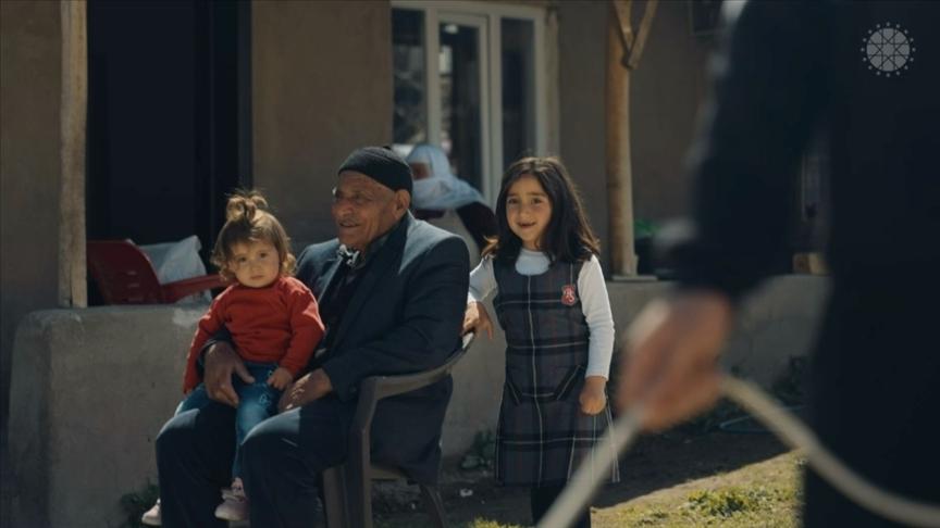 Cumhurbaşkanlığı İletişim Başkanlığı, vatandaşların koronavirüs aşısı olma hikayelerini filmleştirdi
