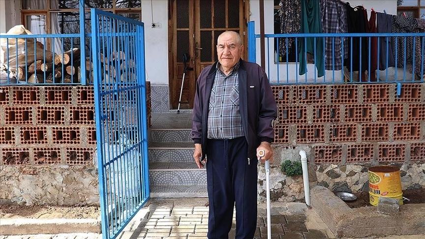 Denizli'de bir aile, şehit olduğunu sandıkları dedelerinden kalan mirasla şaşkınlık yaşadı