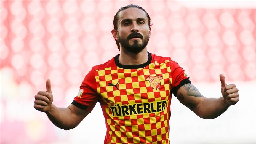 Süper Lig'de tüm maçlarda oynayan tek futbolcu Halil Akbunar