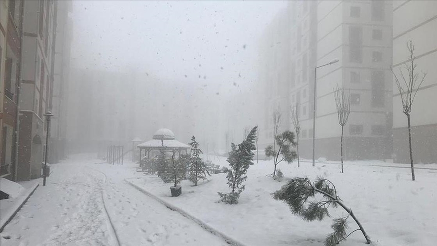 Meteorolojiden Rize ve Artvin için sağanak, Hakkari ve Şırnak için yoğun kar uyarısı