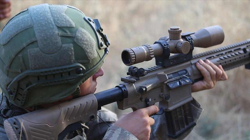 Zeytin Dalı bölgesinde saldırı hazırlığındaki teröristleri İHA tespit etti, komandolar etkisiz hale getirdi
