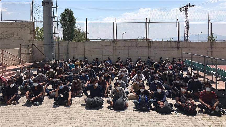 Van'da 113 göçmen yakalandı