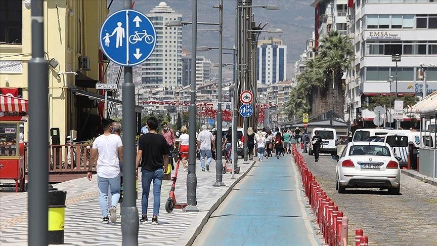 İzmir'in Menderes ilçesinde art arda depremler