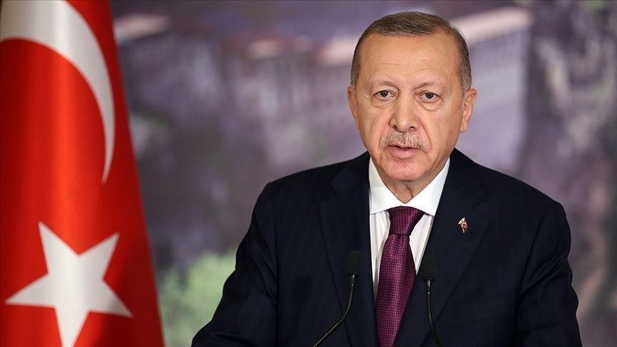 Cumhurbaşkanı Erdoğan: TSK, içindeki hainlerden temizlendikçe sorumluluk üstlendiği her yerde başarıdan başarıya koşuyor